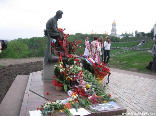 http://www.leonid-bykov.ru/images/forum/leonid-bykov_ru_09-05-10-050.jpg