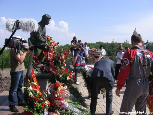 http://www.leonid-bykov.ru/images/forum/leonid-bykov_ru_09-05-10-171.jpg