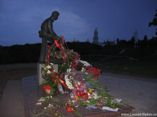 http://www.leonid-bykov.ru/images/forum/leonid-bykov_ru_09-05-10-194.jpg